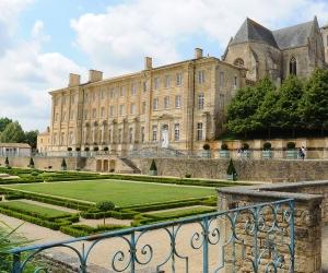 image de Abbaye Royale de Celles-sur-Belle - hébergement de groupe